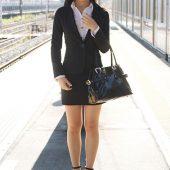 マジメそうに見える服装の下はいやらしい下着のOLが電車内で集団SEX 2 風間萌衣