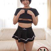 大ファンの撮影会モデルに誘われて、スタジオでおもらしSEX大量顔射 深田結梨